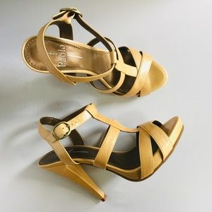 Linea Paolo High Heeled Sandals NEW